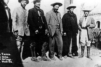 Francisco Villa y militares después de la toma de Zacatecas, retrato de grupo