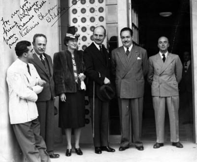 E. Biddle y su esposa Katherine acompañados por José Vasconselos, Carlos Pellicer y Alfonso Noriega, retrato de grupo
