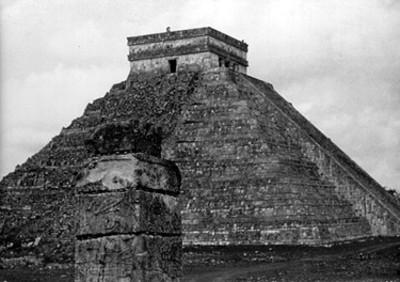 """Piramide """"El Castillo"""" en Chichén Itzá"""