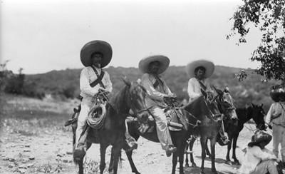 Emisarios de zapata en el campo de El Jilguero