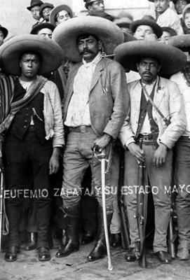"""""""Eufemio Zapata y su estado Mayor"""", retrato de grupo"""