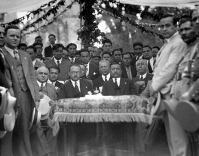 Funcionarios presiden ceremonia en honor a Zapata