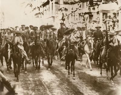 Francisco Villa, Emiliano Zapata y otros jefes revolucionarios entran a la ciudad de México