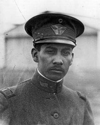 """Juan """"Guillermo Villasana"""", piloto aviador, retrato"""
