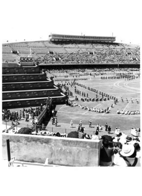 Ceremonia azteca en el estadio de Ciudad Universitaria