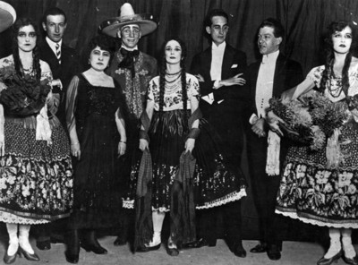 Ana Pavlova con otros intengrantes de ballet retrato de grupo