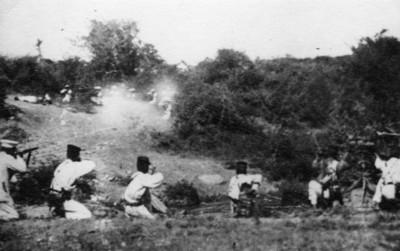 Tropas federales durante un combate contra zapatistas
