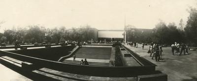 Fachada del Museo Nacional de Antropología, panorámica