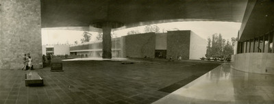 Vista de la fuente central al interior del Museo