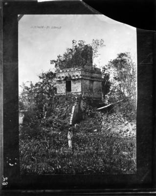 Templo 2 de Hochob anterior a su restauración, reprografía