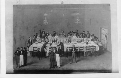 """Grabado de un """"banquete"""" celebrado a el """"general León en Oaxaca"""", reprografía"""