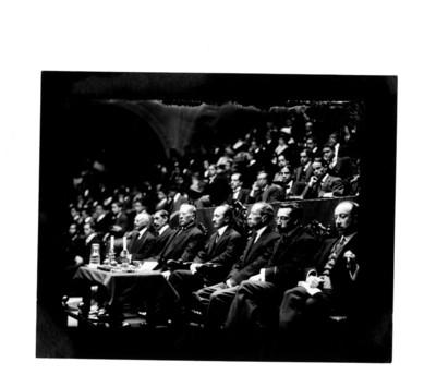 Félix F. Palavicini y otros funcionarios presiden ceremonia pública