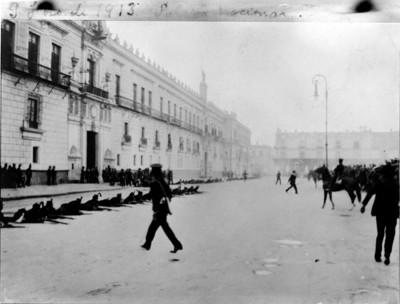 Federales apostados frente a Palacio Nacional