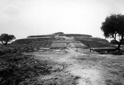 "Pirámide de Cuicuilco, ""CXXX-62"""