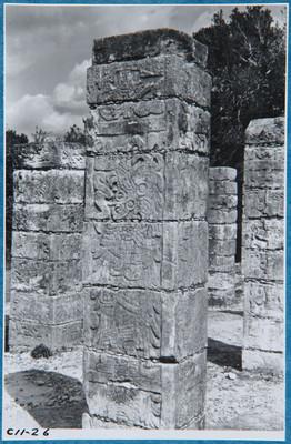 Columna en secciones, Templo de los Guerreros, detalle