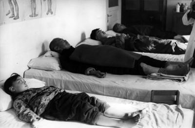 Enfermos durante terapia de acupuntura