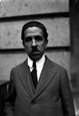Alfonso Pruneda, rector de la Universidad Popular Mexicana, retrato