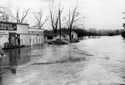 Poblado durante inundación
