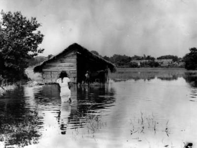 Poblado de Ceilán, afectado por inundación, vista parcial