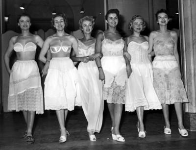 Mujeres portan lenceria. retrato