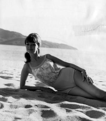 """""""Modelo en traje"""" de baño """"combinado en la playa, retrato"""""""