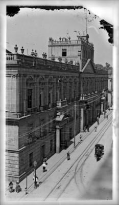 Palacio de Minería, vista lateral