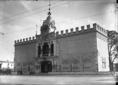 """""""Pabellón Español"""", fachada"""