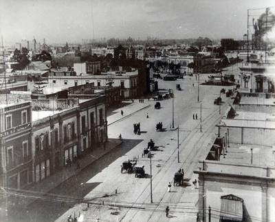 Avenida de los Hombre Ilustres vista hacia la estructura del palacio legislativo (hoy monumento a la revolución)
