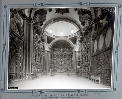 Nave principal y retablos