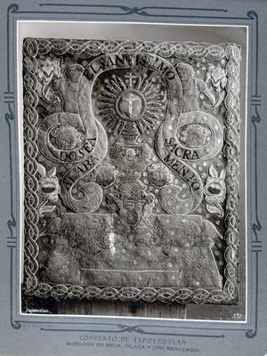 Bordado en Seda, (Plata y oro realzado)
