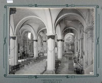 Naves principal y lateral, vista hacía el altar