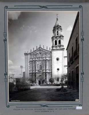 Fachada principal de la Iglesia de Nuestra Señora del Carmen