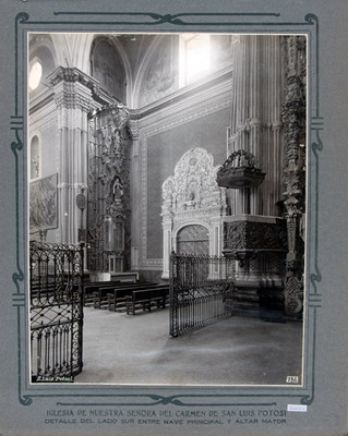 Púlpito ubicado en el lado Sur, entre el Altar Mayor y la Nave principal