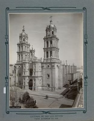 Fachada principal de la Catedral de San Luis Potosí