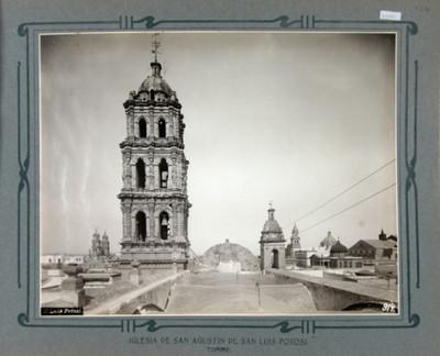 Vista de la torre y bóveda de la Iglesia de San Agustín