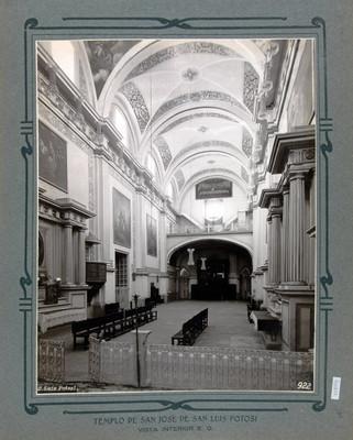Vista de la Nave principal y el coro de la Iglesia de San José