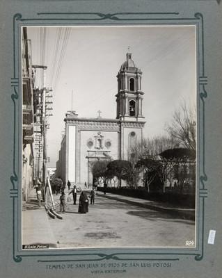 Fachada principal de la Iglesia de San Juan de Dios