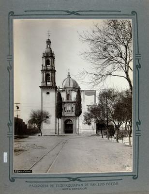 Fachada principal de la Iglesia de Tequisquiapan