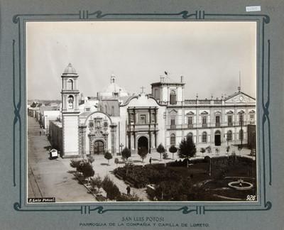Fachadas de la Iglesia de la Compañía y de la Capilla de Loreto
