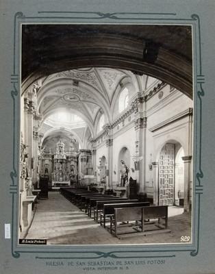 Vista de la nave principal y el altar Mayor de la Iglesia de San Sebastián