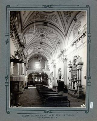 Vista de la nave principal y coro de la Iglesia de San Sebastián