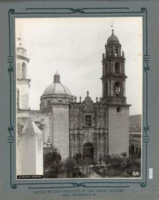 Fachada principal de la Iglesia de San Francisco en San Miguel de Allende