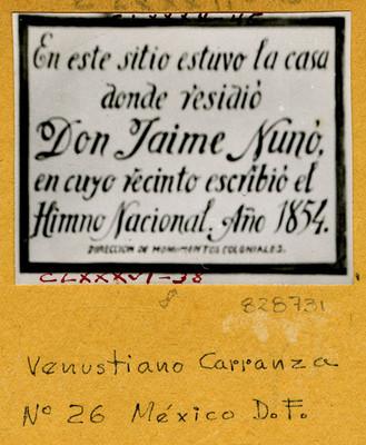 Placa en Venustiano Carranza N° 26