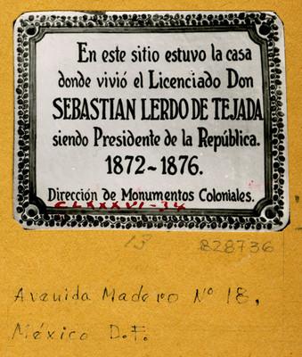 Placa en Av. Madero N° 18
