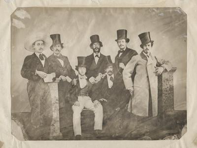 Hombres, retrato de gurpo