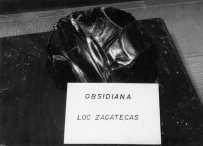 """Fragmento de """"Obsidiana"""" con nombre"""