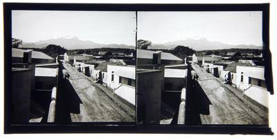 Fábrica de Miraflores y volcán del Popocatepetl