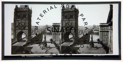 """Puente en Praga. """"4349. Vue du pont de Prague de la Kleinseite"""", estereoscópica"""
