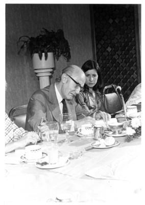 Alfonso García Robles y Marcella Peragallo de Shults en conferencia de prensa
