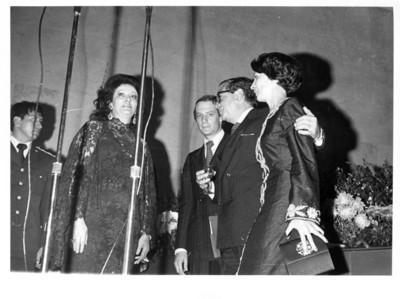 Carmen Romano con Andrés Rosental, Santiago Roel y su esposa